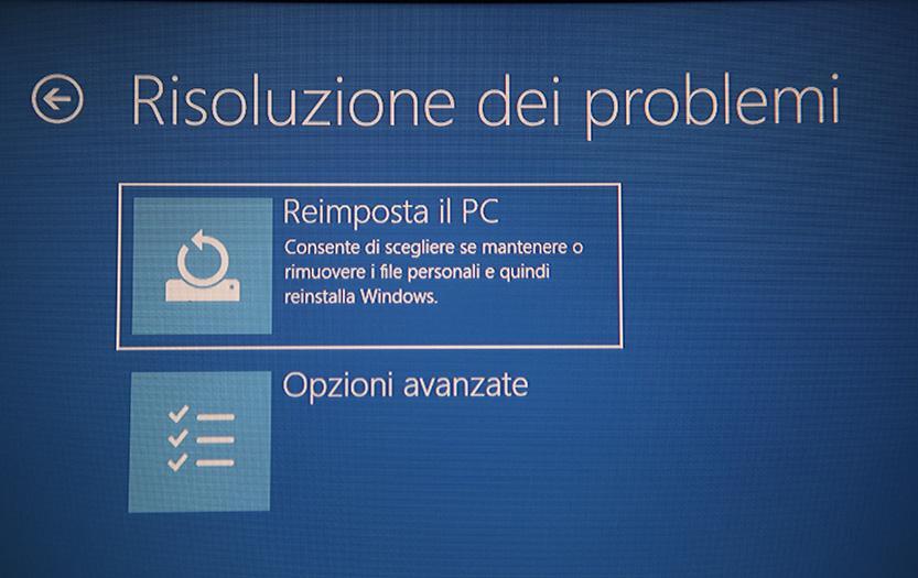 menu risoluzione dei problemi opzioni avanzante windows 10