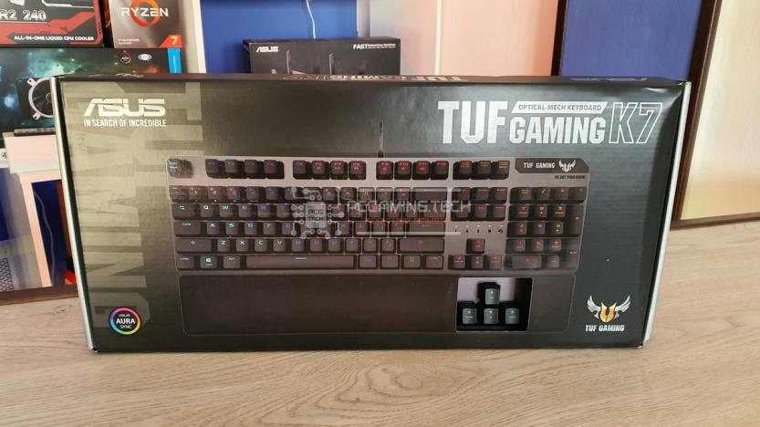 Asus Tuf gaming k7 front package