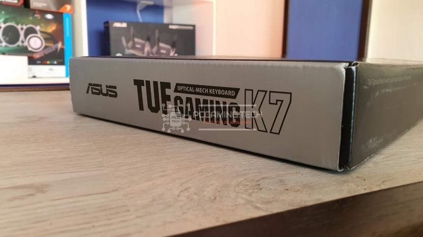 Asus Tuf gaming k7 lateral package