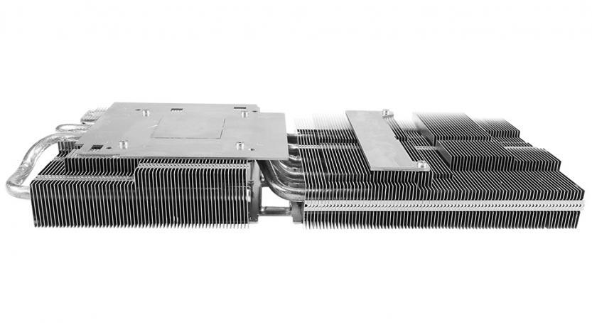 Nuovo dissipatore della ASUS Radeon RX5700 TUF Gaming