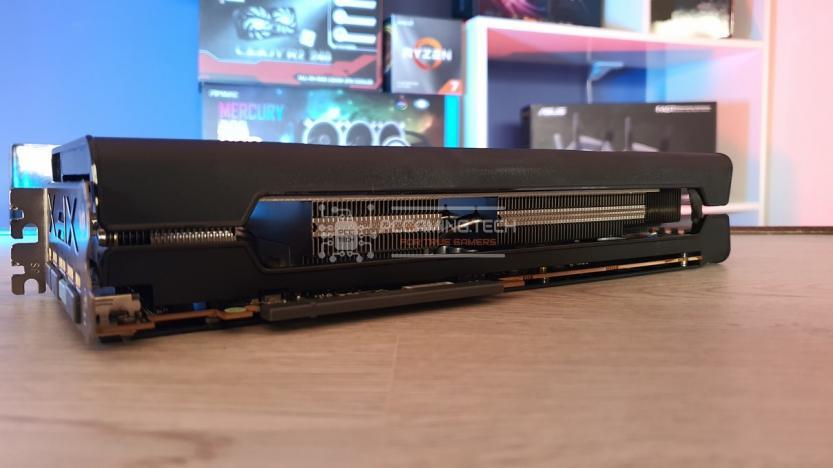 XFX RX 5700 DD ULTRA dettaglio dissipatore inferiore