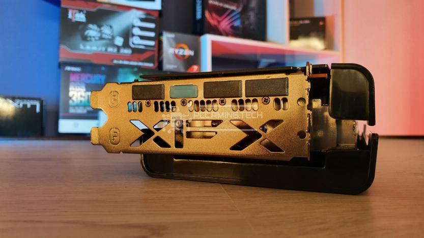 XFX RX 5700 DD ULTRA connettori I/O